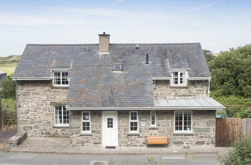 Last Minute Cottages - Railway Cottage