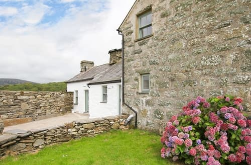 Last Minute Cottages - Ty Mawr Porthmadog