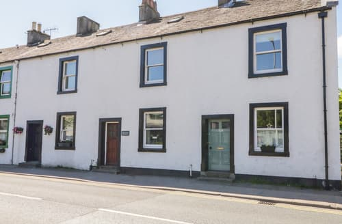 Last Minute Cottages - The Old Betting Shop