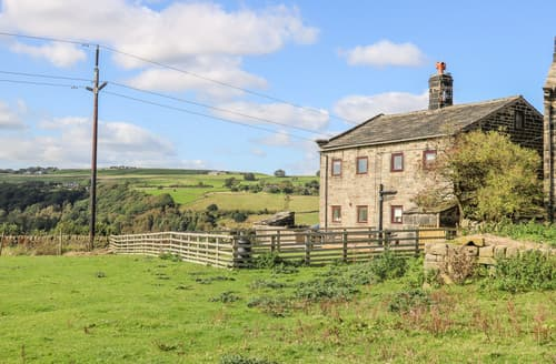 Last Minute Cottages - 3 Horsehold