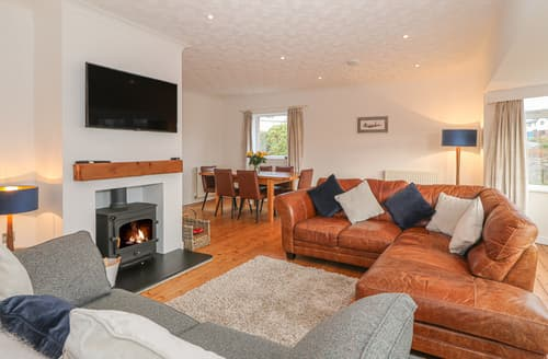 Last Minute Cottages - Nefydd