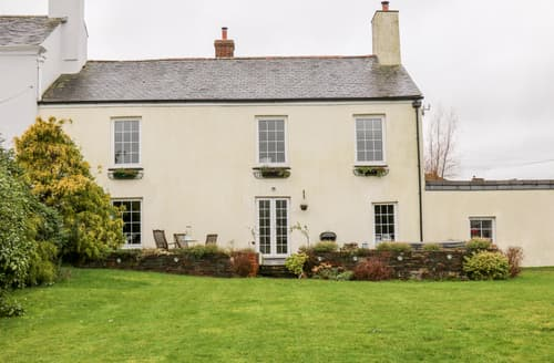 Last Minute Cottages - The Old Manor House