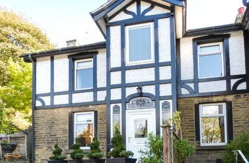 Big Cottages - Gorgeous Holmfirth Cottage S12480