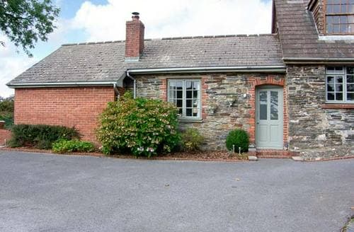 Last Minute Cottages - Cwtch Cottage at Springfield
