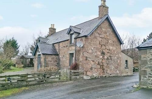 Big Cottages - Cosy Brechin Farmhouse S6414