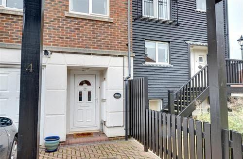 Big Cottages - Inviting Eastbourne Rental S12643