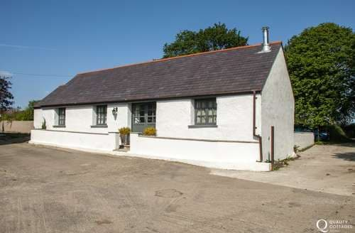 Last Minute Cottages - Yr Hen Glowty