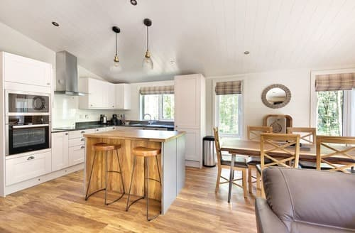 Last Minute Cottages - Willow 3 Spa