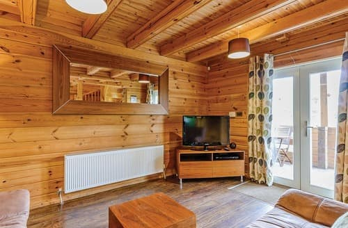 Last Minute Cottages - Birch Executive Lodge