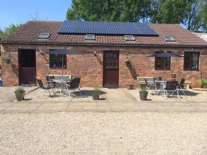 Sunny south facing patios for those long evenings into the summer. - Mowbray Stable Cottages