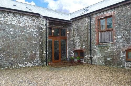 Last Minute Cottages - Threshing Barn