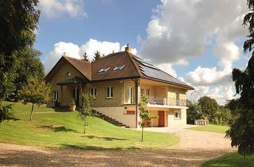 Big Cottages - Attractive Hartfield Cottage S77395