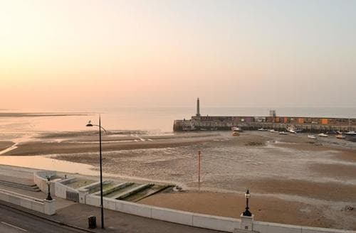 Last Minute Cottages - Exquisite Broadstairs Apartment S78155