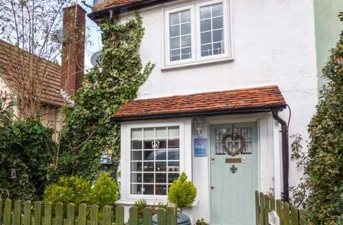 Last Minute Cottages - Lovely West Mersea Cottage S78200
