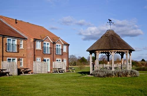 Big Cottages - Tasteful Huntworth Cottage S44616