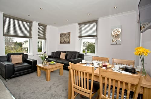 Last Minute Cottages - Charming Torquay Apartment S49975