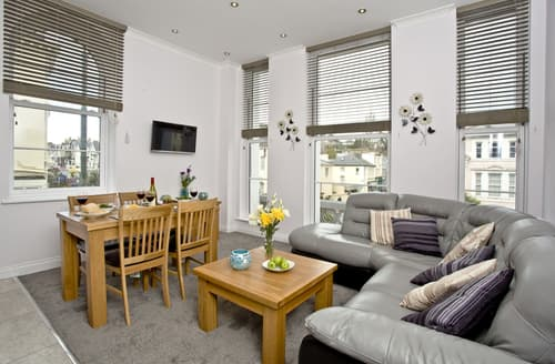 Last Minute Cottages - Lovely Torquay Apartment S50149