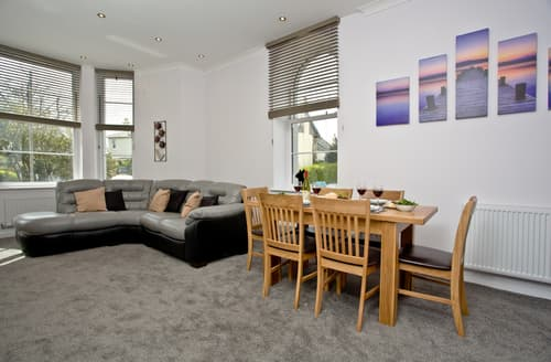 Last Minute Cottages - Wonderful Torquay Apartment S50179