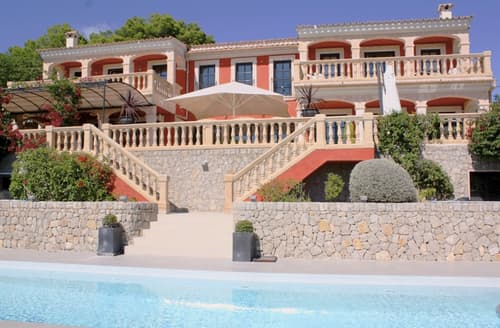 Last Minute Cottages - Deluxe Rosa