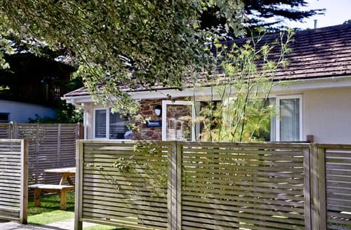 Last Minute Cottages - Quaint Mawgan Porth Cottage S60046