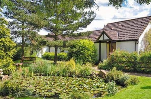 Last Minute Cottages - Lovely Royal Wootton Bassett Cottage S13724