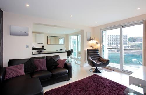 Last Minute Cottages - Luxury Castletown Apartment S76121
