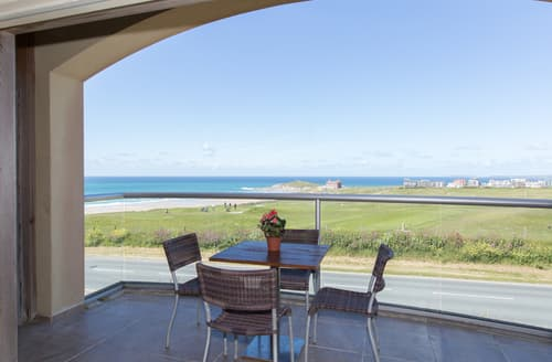 Last Minute Cottages - Lovely Newquay Apartment S76162
