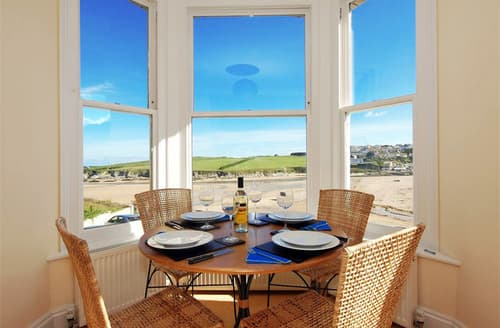 Last Minute Cottages - Luxury Porth Apartment S76234