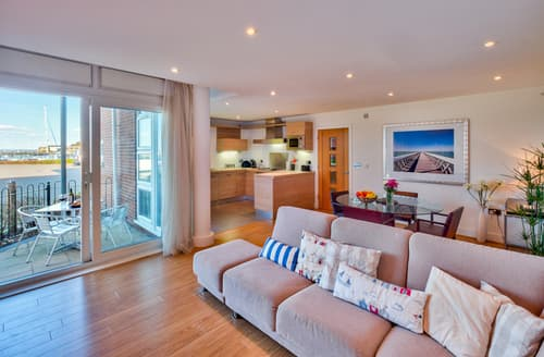 Last Minute Cottages - Gorgeous Cowes Apartment S76380