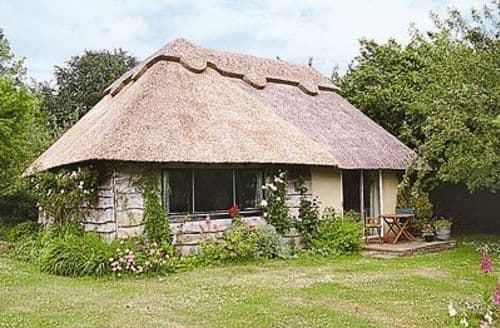Last Minute Cottages - Cosy Arundel Cottage S13788