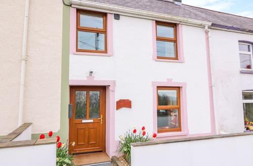 Last Minute Cottages - Bank House