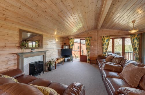 Last Minute Cottages - Charming Rousdon Lodge S76506