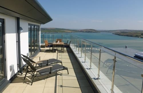Big Cottages - Luxury Padstow Penthouse  S76521