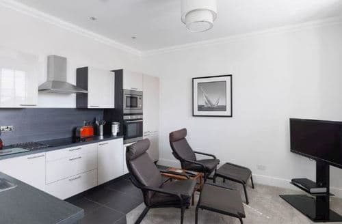 Last Minute Cottages - Charming Ansdell Apartment S78789
