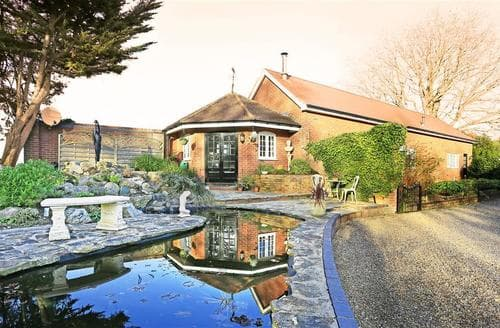 Last Minute Cottages - The Garden House