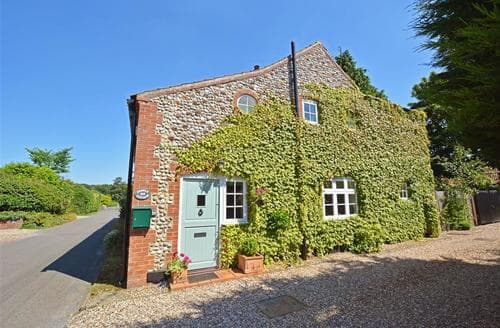 Last Minute Cottages - Attractive Holt Rental S11924