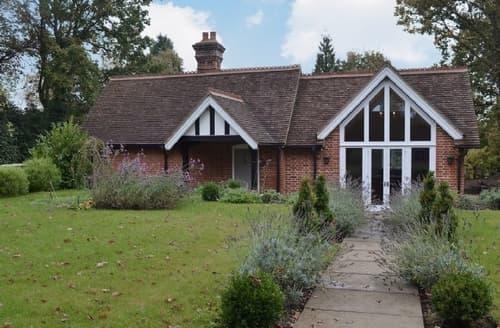 Last Minute Cottages - Stunning Brighton Lodge S13906