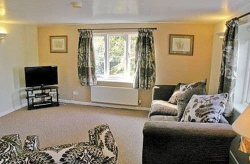 Last Minute Cottages - Excellent Chichester Apartment S13911