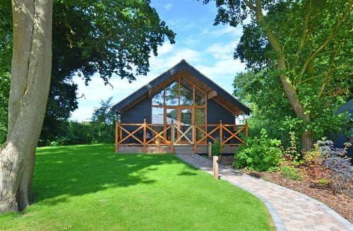 Last Minute Cottages - Splendid Ormesby St Michael Lodge S12045