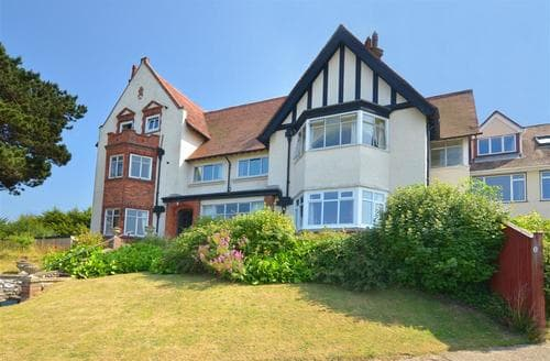 Last Minute Cottages - Luxury Sheringham Apartment S12059