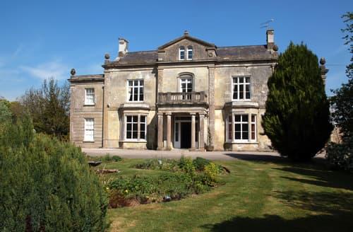 Last Minute Cottages - Milton Manor