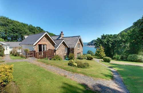 Last Minute Cottages - Adorable Parracombe Apartment S12394