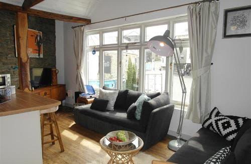 Last Minute Cottages - Superb Padstow Apartment S42897