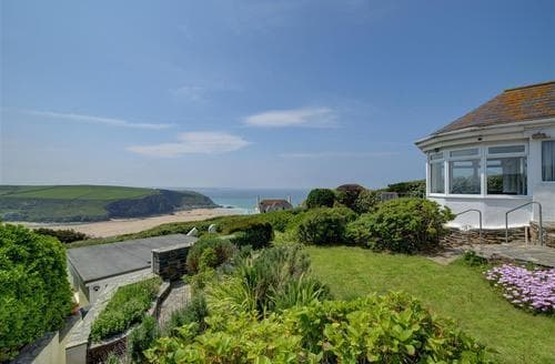 Last Minute Cottages - Lovely Mawgan Porth Cottage S57472