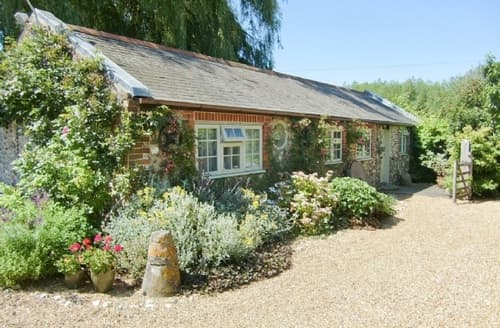 Last Minute Cottages - EARNLEY MILL COTTAGE