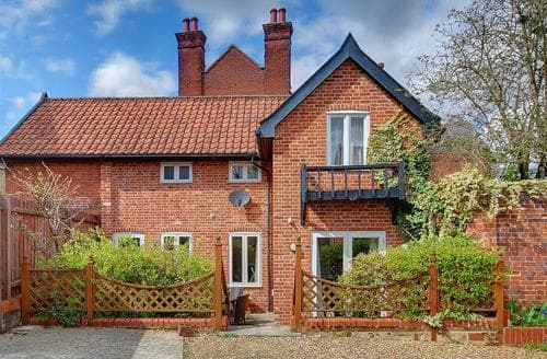 Dog Friendly Cottages - The Bury Coach House