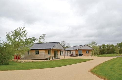 Last Minute Cottages - Owl Lodge