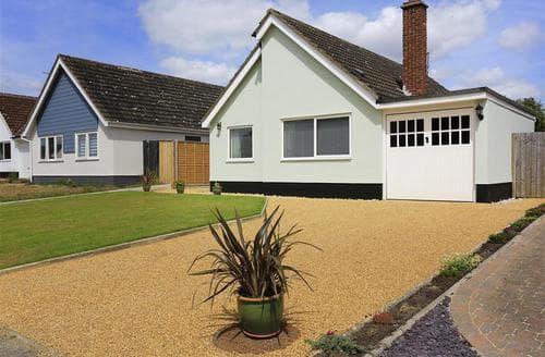 Last Minute Cottages - Cosy Westleton Cottage S37584