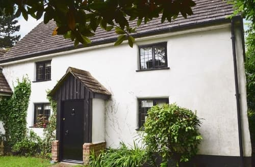 Last Minute Cottages - Gorgeous Burley Cottage S14085