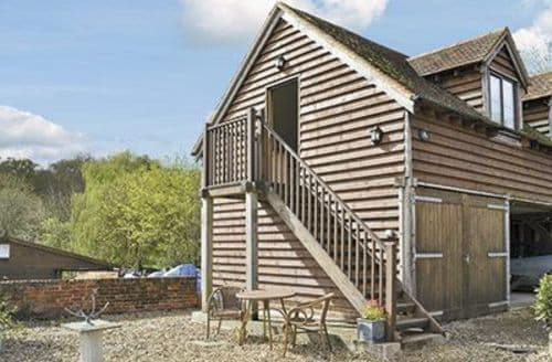 Last Minute Cottages - Inviting Southampton Cottage S14146